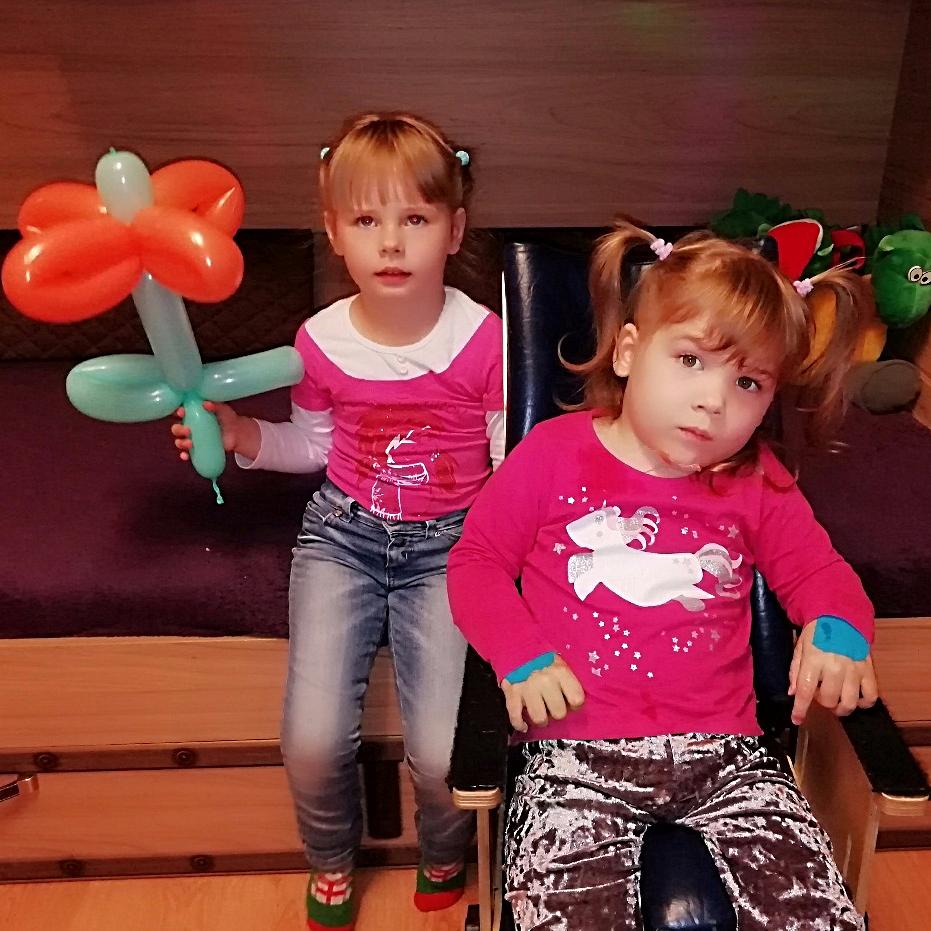 Алиса и Маша Шрагер