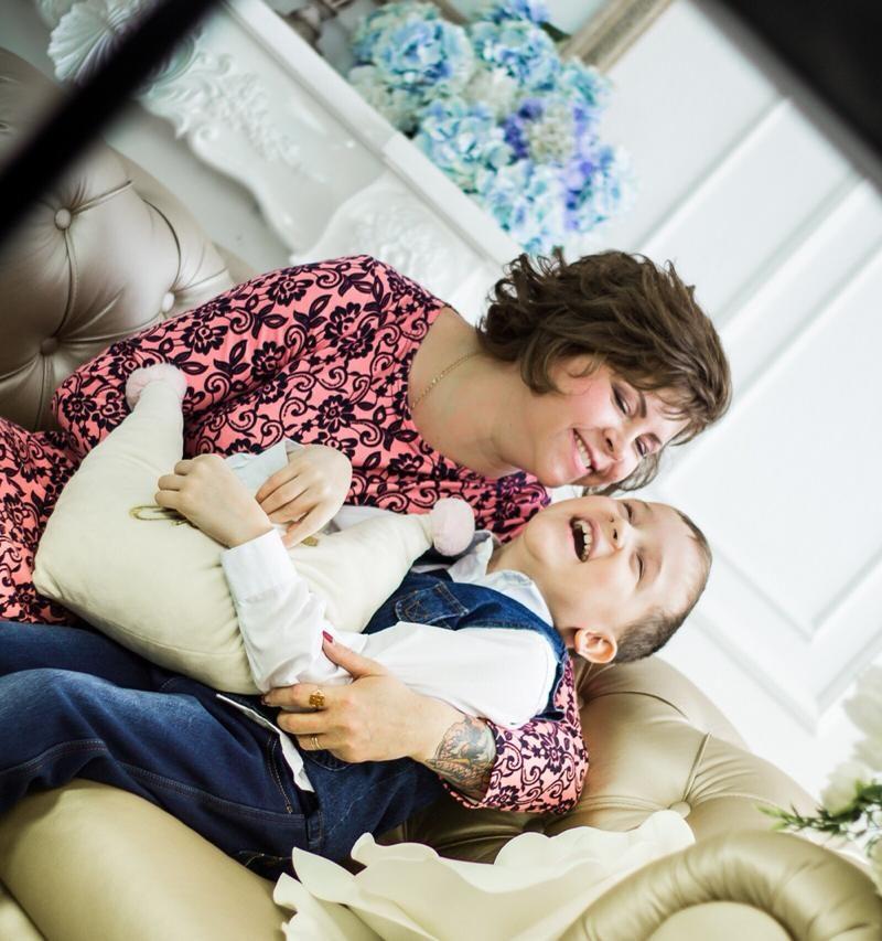 В Ульяновске прошла благотворительная фотосессия для семей с особенными детьми
