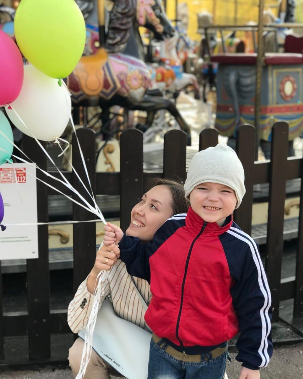 Клуб добряков устроил праздник для маленького Паши