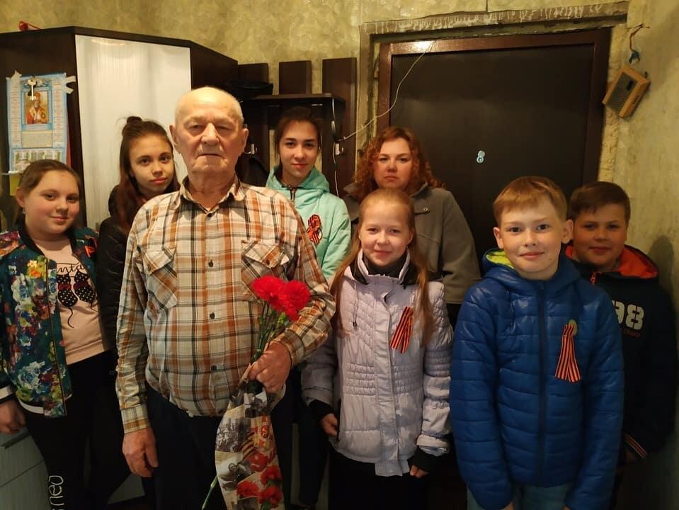 В Вологодской области добряки поздравили ветеранов