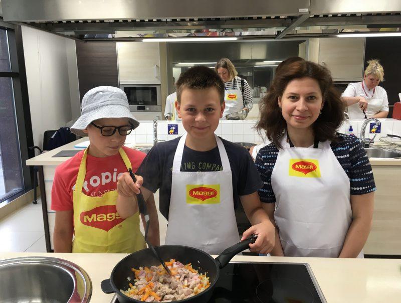 Компания «Нестле» провела кулинарный мастер-класс для Клуба добряков