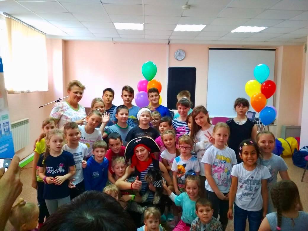 В Ульяновске добряки поздравили детей в больницах