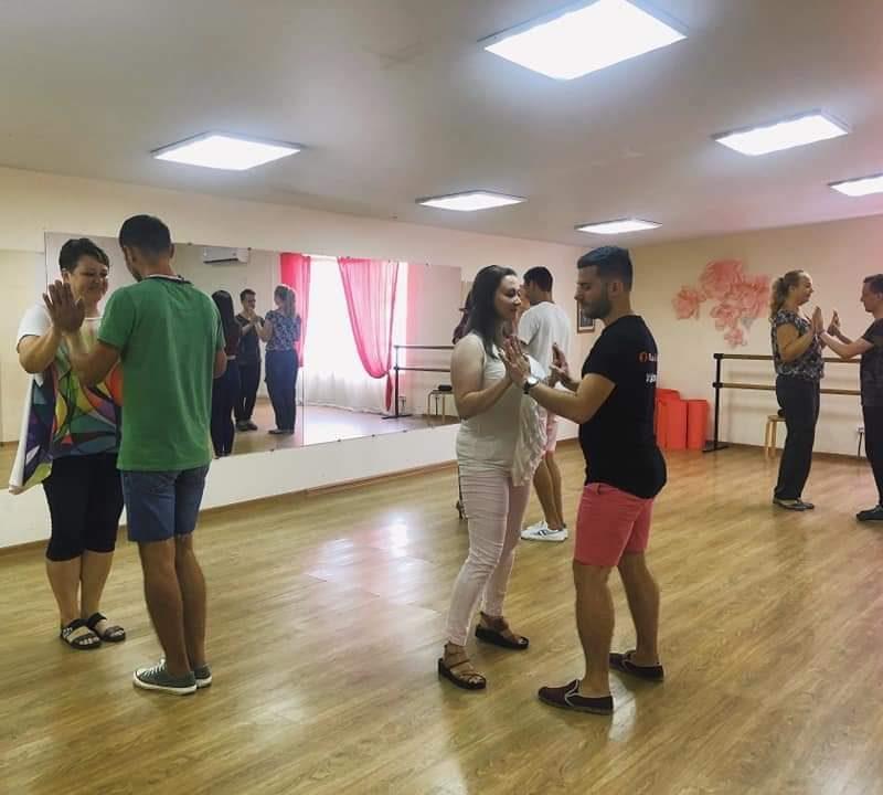 В Сочи прошел танцевальный мастер-класс для мам особенных детей