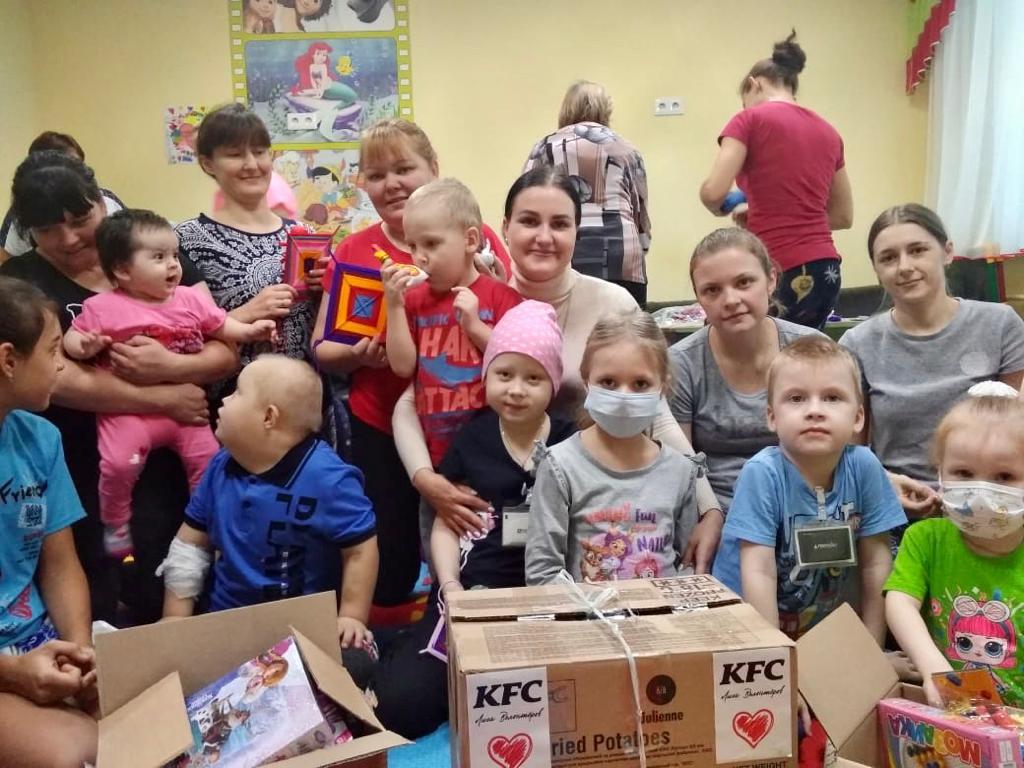 Добряки Барнаула провели мастер-класс для детей с онкологическими заболеваниями