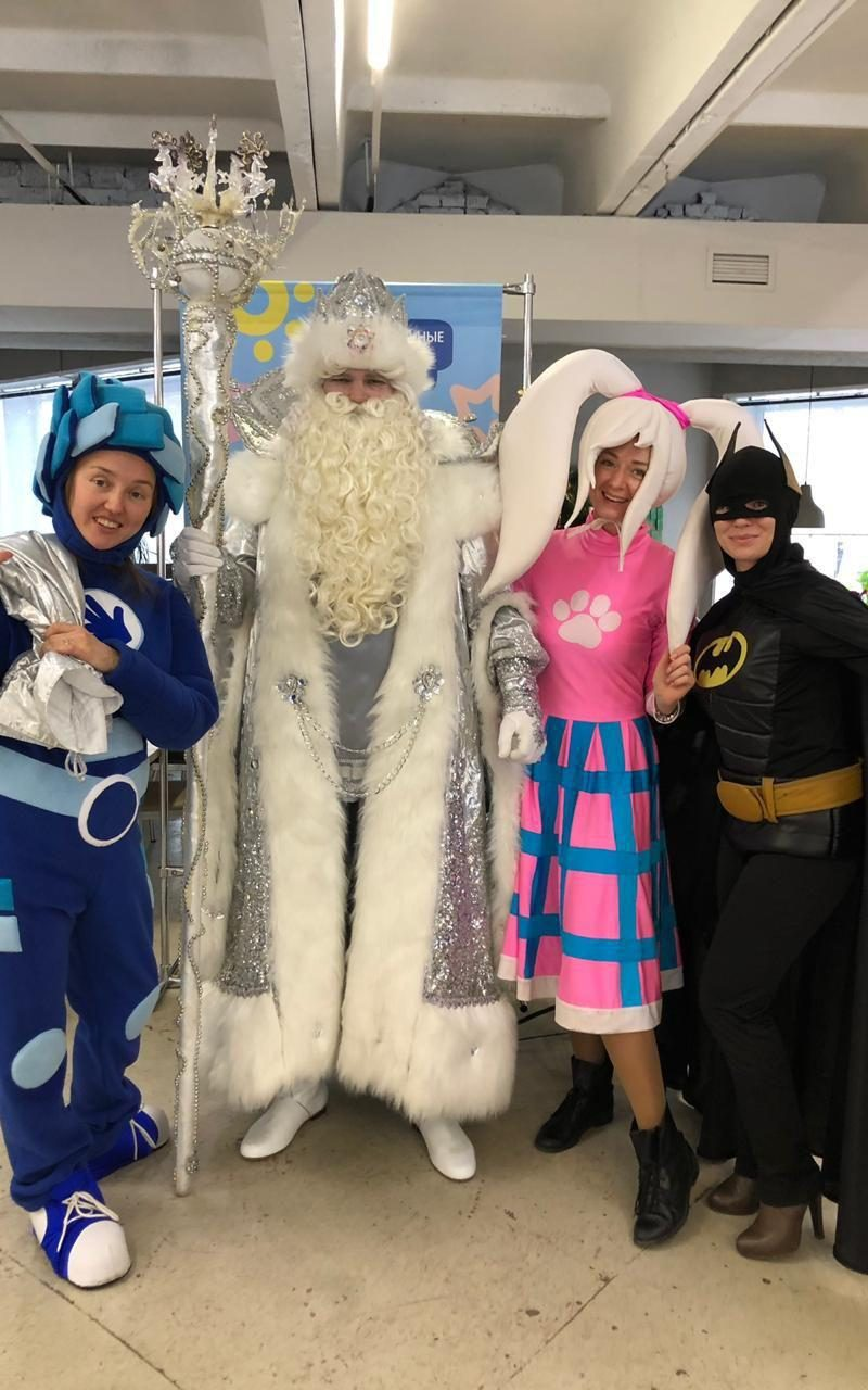 Добряки из Челябинска открыли сезон новогодних ёлок