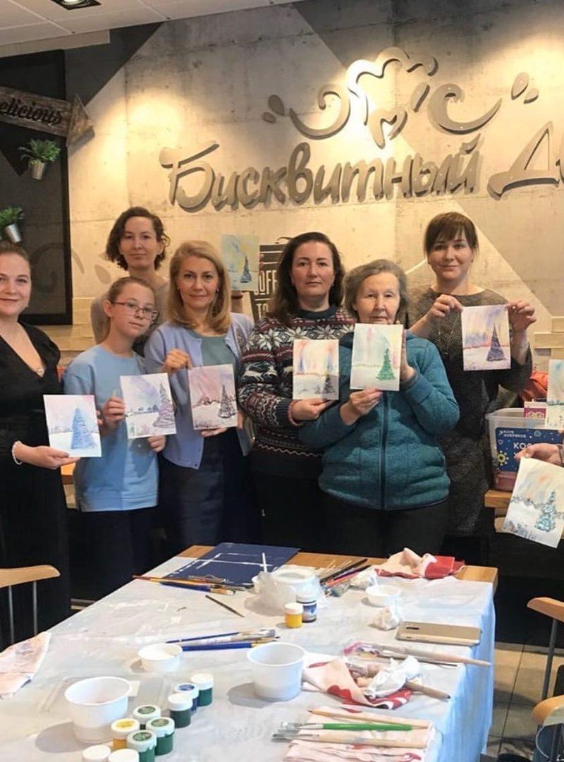 Волонтеры Екатеринбурга провели благотворительный мастер-класс по рисованию