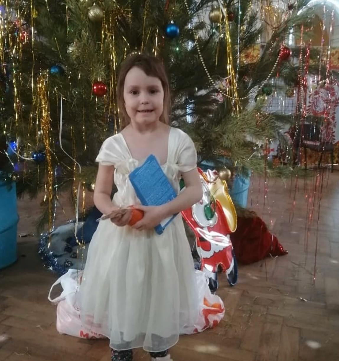 В  Волгограде прошёл рождественский праздник для особенных детей