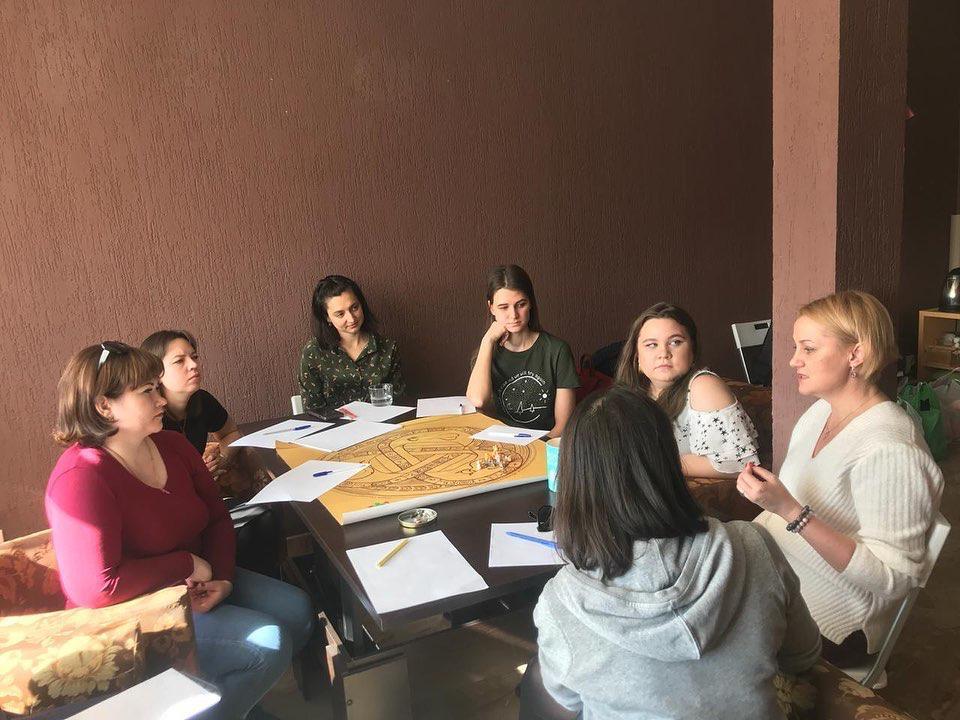 Добряки Ульяновска провели трансформационную игру для женщин