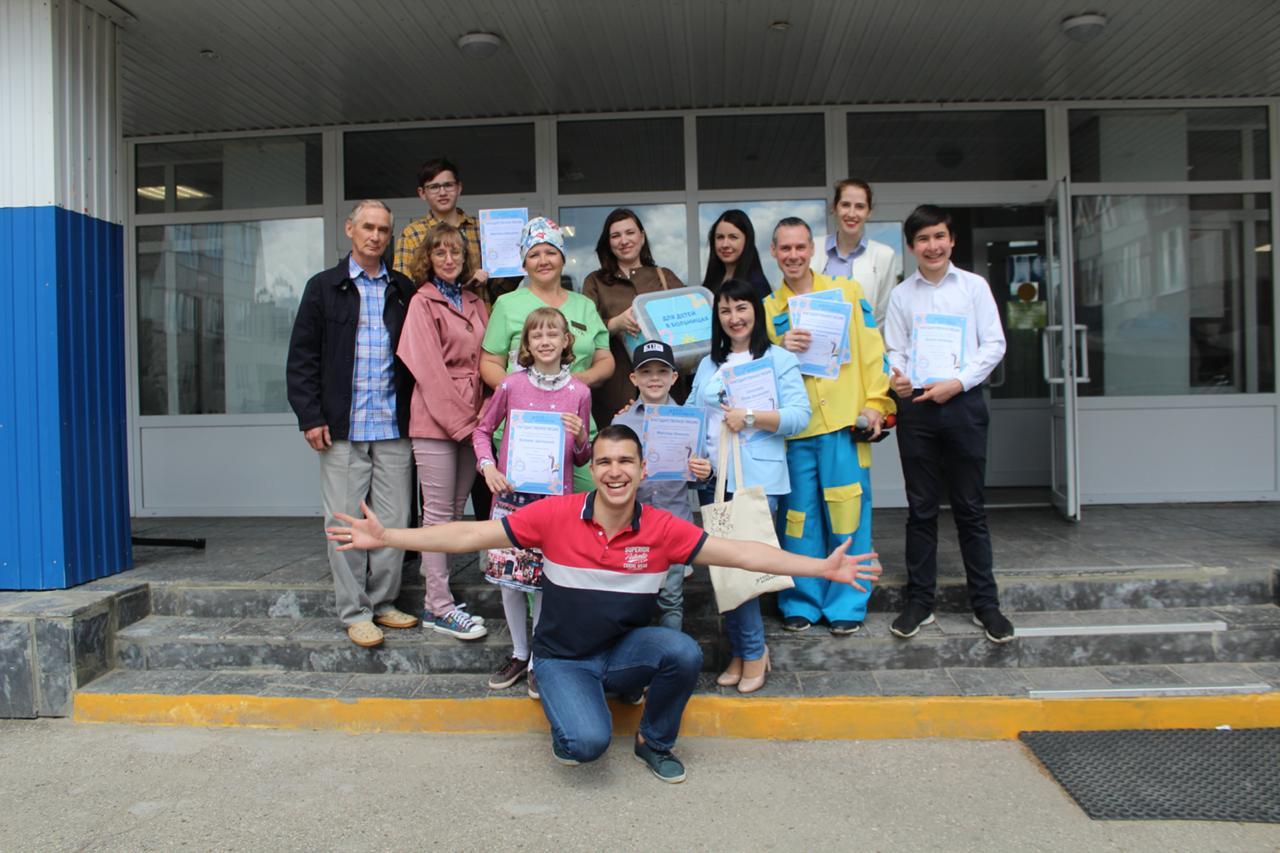 В Ульяновске волонтеры устроили праздник для детей в больницах