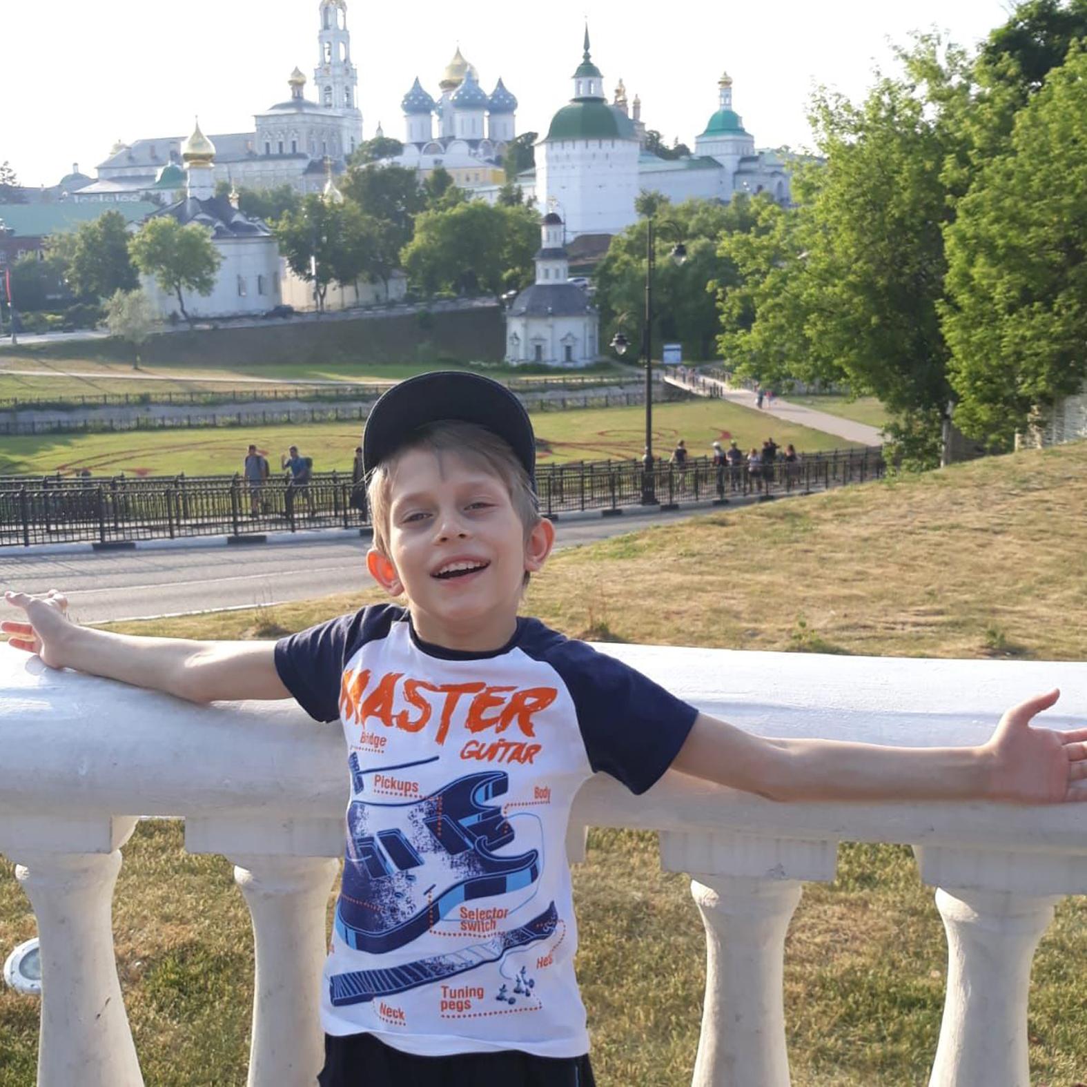 Артём Нешумов