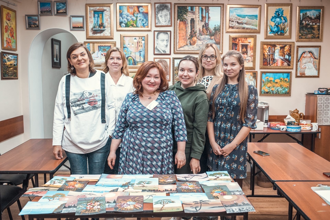 В Москве прошел мастер-класс по рисованию для особенных мам и волонтеров