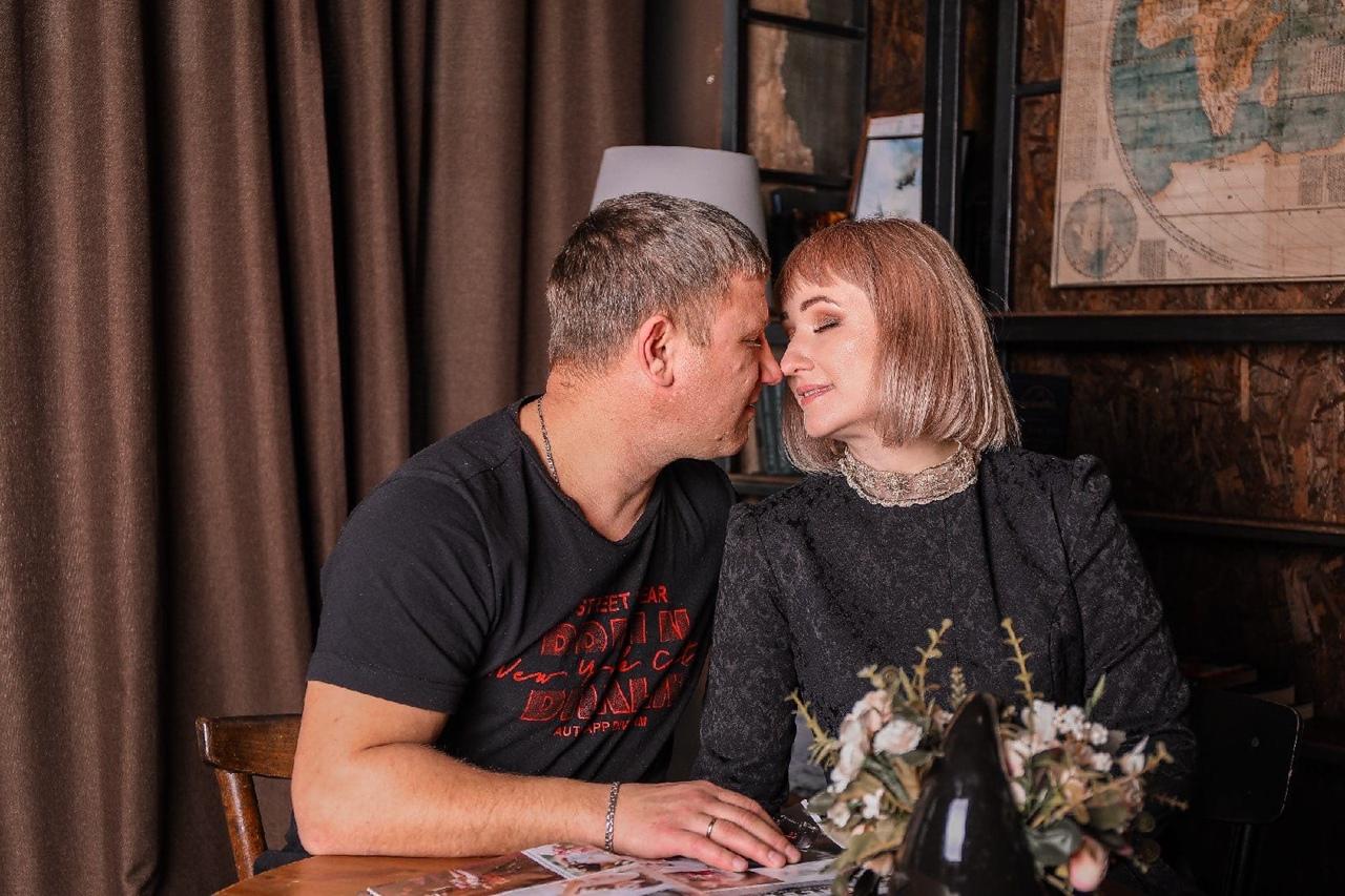 Добряки Омска провели фотосессии для родителей особенных детей ко Дню всех влюбленных