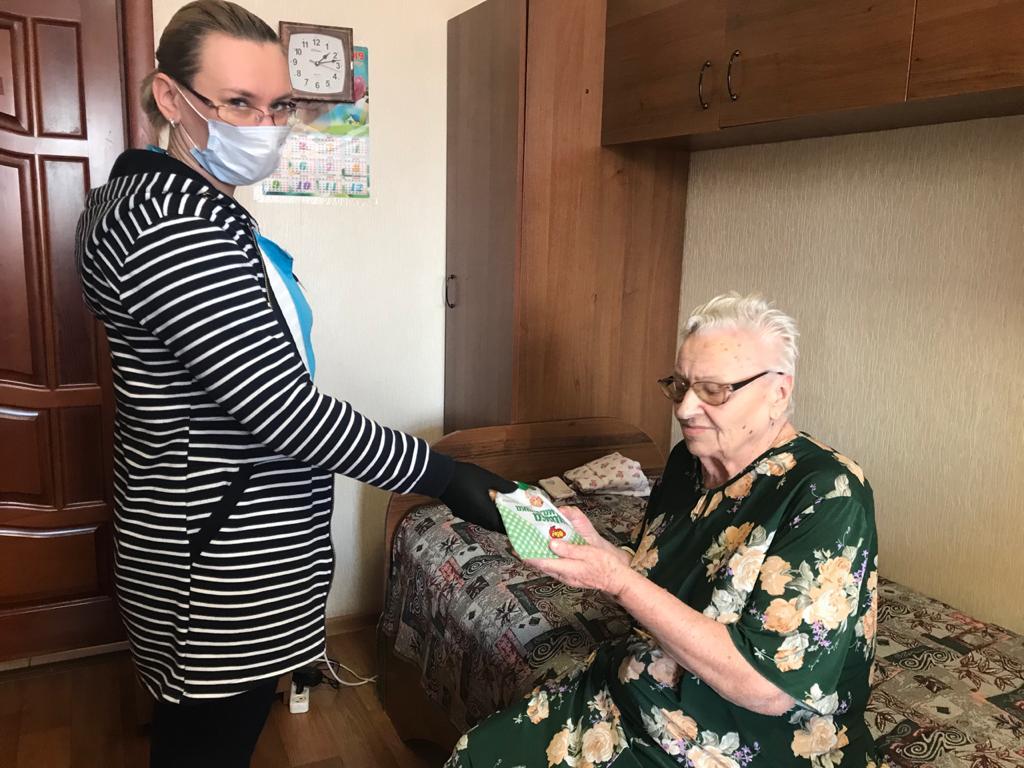 Представители торговой марки «Ого» передали сладости в Волгоградский дом-интернат