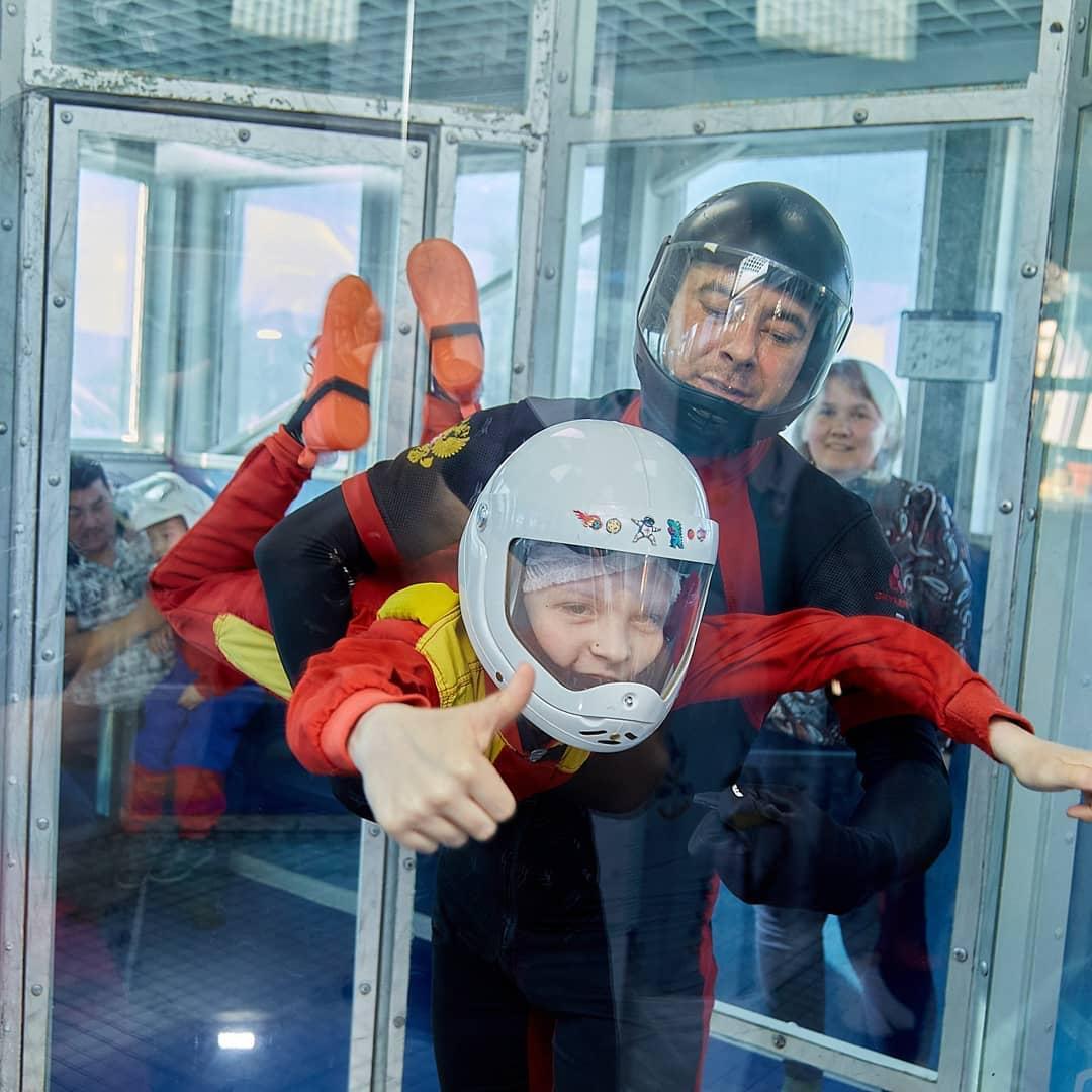 Добряки Саратова подарили детям с ДЦП полет в аэротрубе
