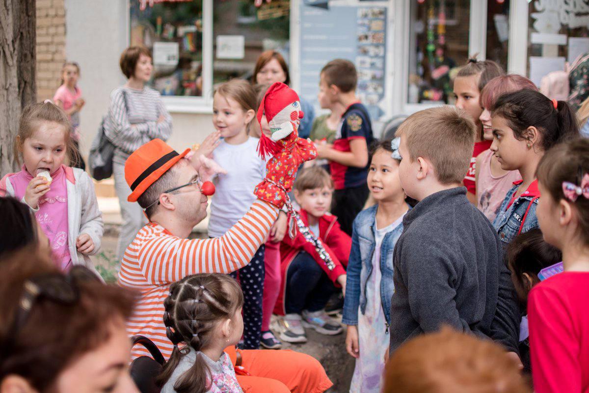 В Саратове добряки провели большой праздник для детей